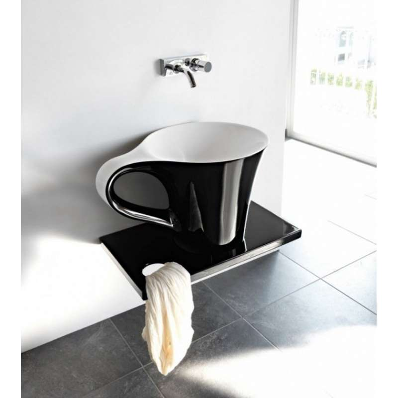 article blog décoration Mon Meublé la rédaction ness lavabo résine tasse à café noir et blanc avez-vous fait votre choix