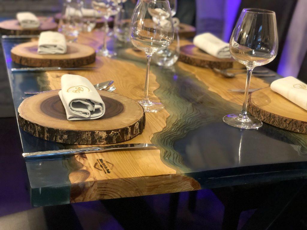 article présentation julien Bizet Nice Art du Bois table rivière