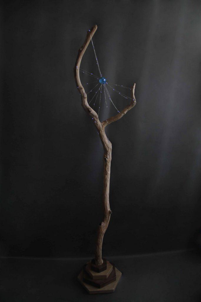 Lampe design artisanale originale bois sbands grenoble bâton de sorcier