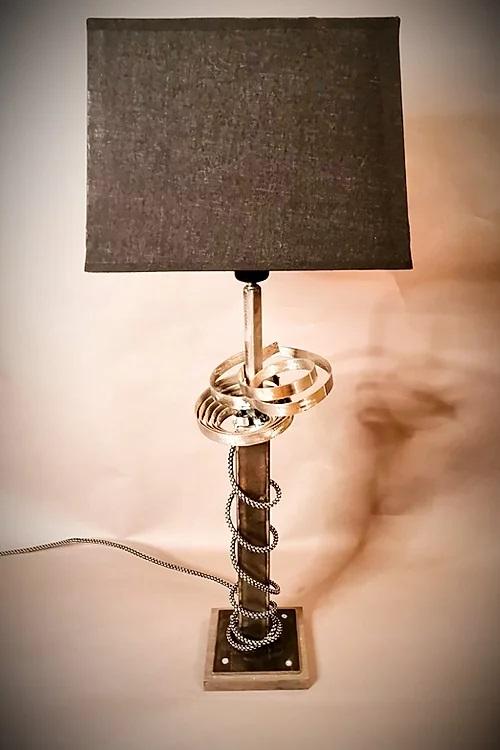 création luminaire récup artisanal détournement d'objet du quotidien mobilier sur-mesure