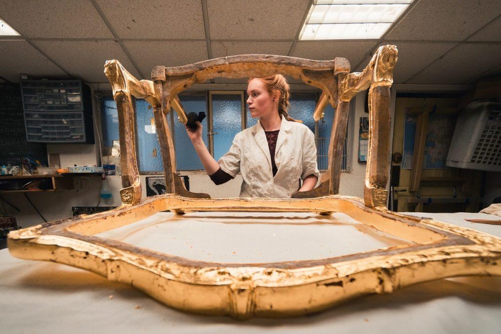 Doreur ornemaniste restauration dorure cadre ancien encadreur Alsace