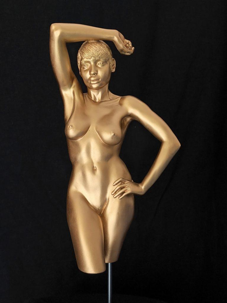 Sylvie Bourély female nude Sculpture nu féminin sur grès Marseille