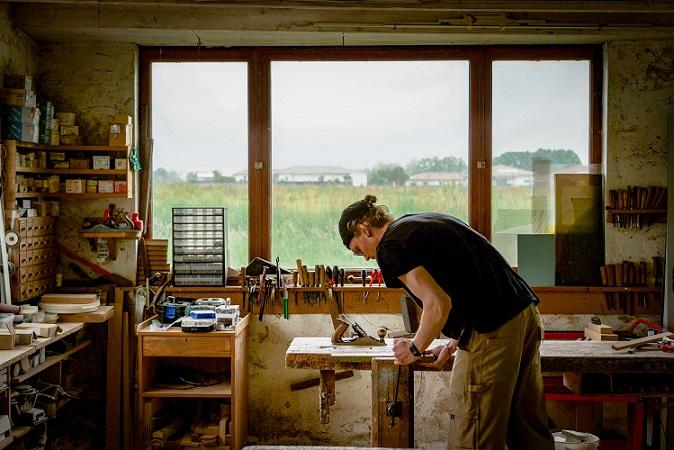 Ébéniste art Landes mobilier d'art sur-mesure Wabi-sabi mobilier bois brûlé