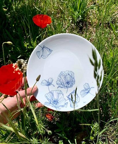 Illustration motif végétal sur porcelaine Dessin floral encre de Chine